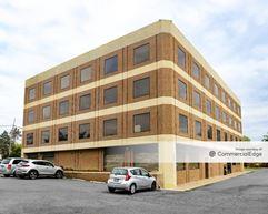 Pinecrest Building - Alexandria