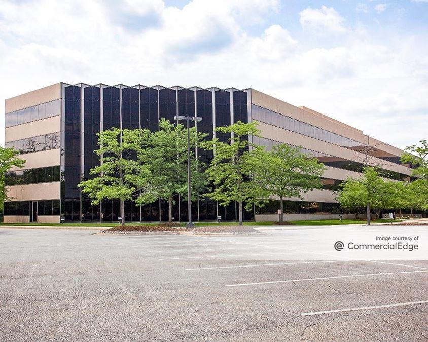 Tri-State International Office Center - 300 Tri-State International