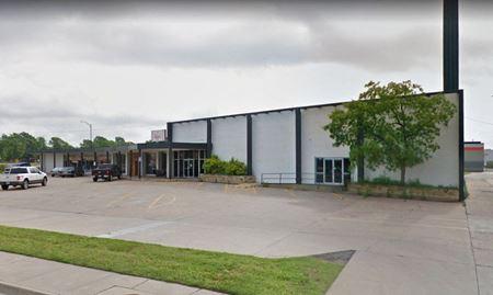 Retail Strip Center - Wichita