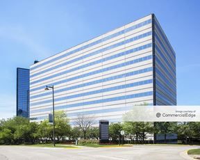 Woodfield Corporate Center - 200 North Martingale Road