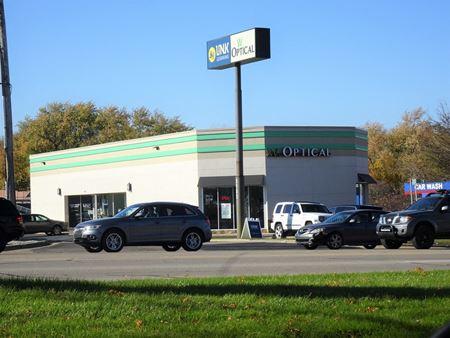 3233 Alpine Ave NW - Grand Rapids