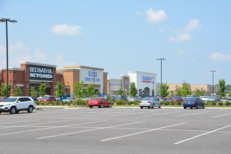 Lewis Crossing Shopping Center - Conway