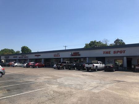 Lazybrook Shopping Center - Houston