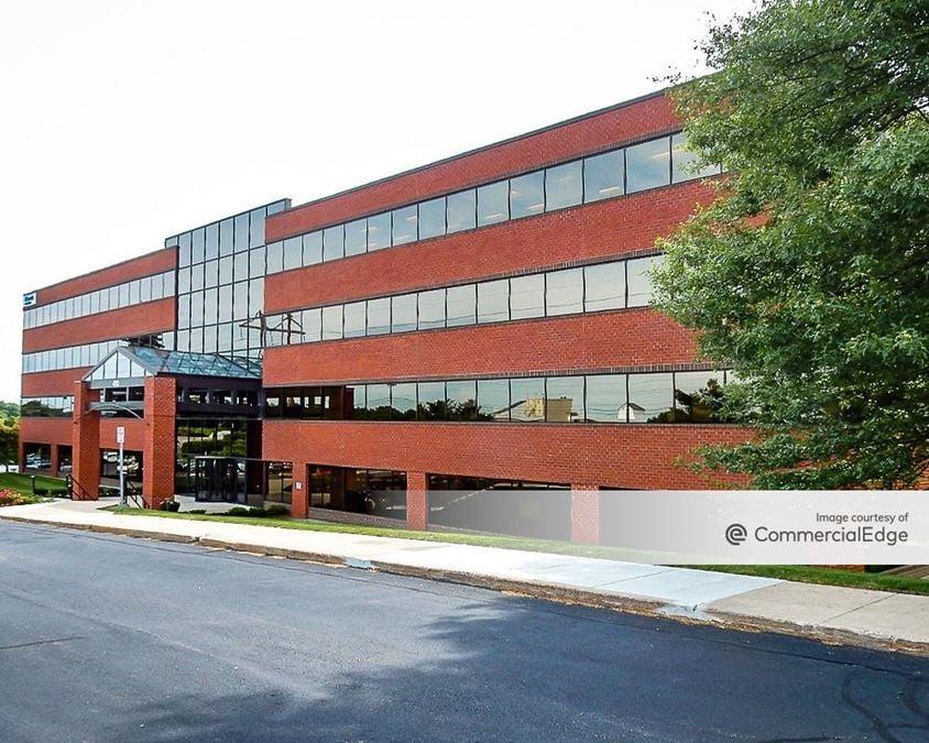 Totten Pond Office Park - 400 & 410