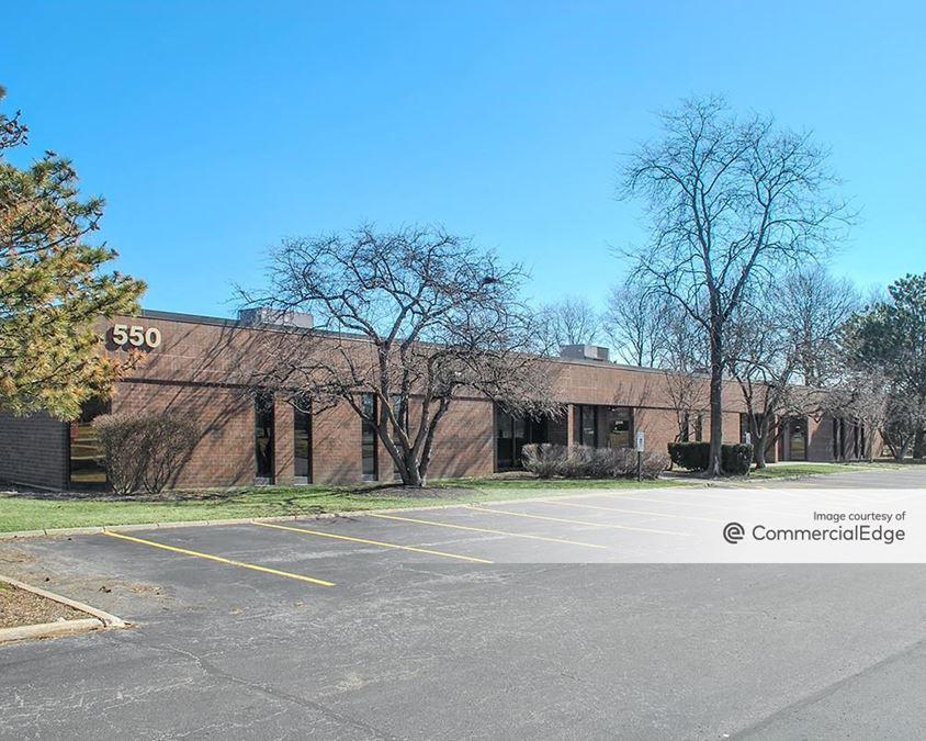 Hamilton Lakes Business Park - 550 East Devon Avenue