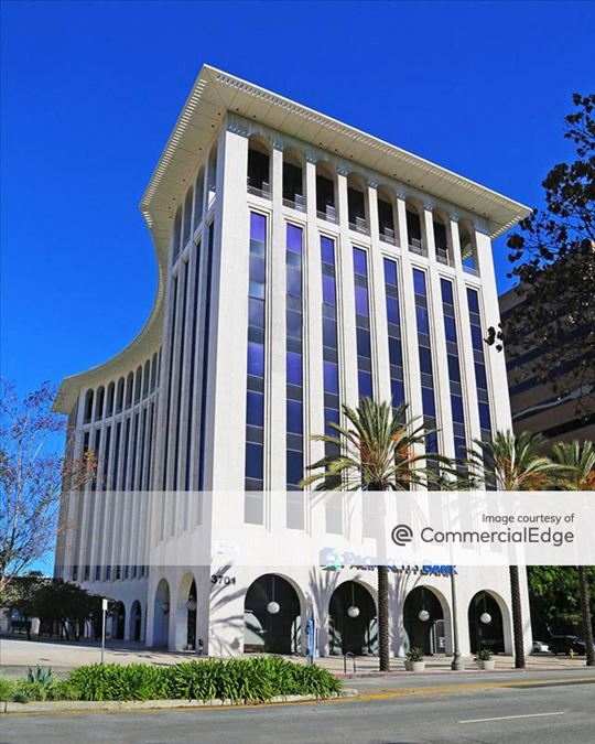 Wilshire Colonnade East