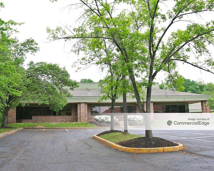 655-800 Business Center Drive