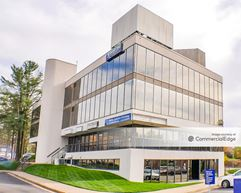 Kings Park Professional Building - Burke