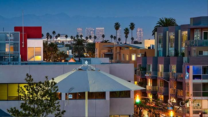 Restaurant/retail space Available in the downtown core of Santa Monica