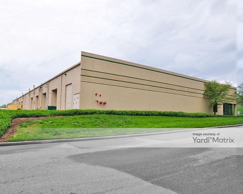 Airpark Business Center - Building 400