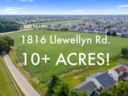 1816 Llewellyn Rd - Belleville