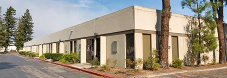 +/-75% Warehouse Located in a Great Location with Onsite Deli Space Photo Gallery 1