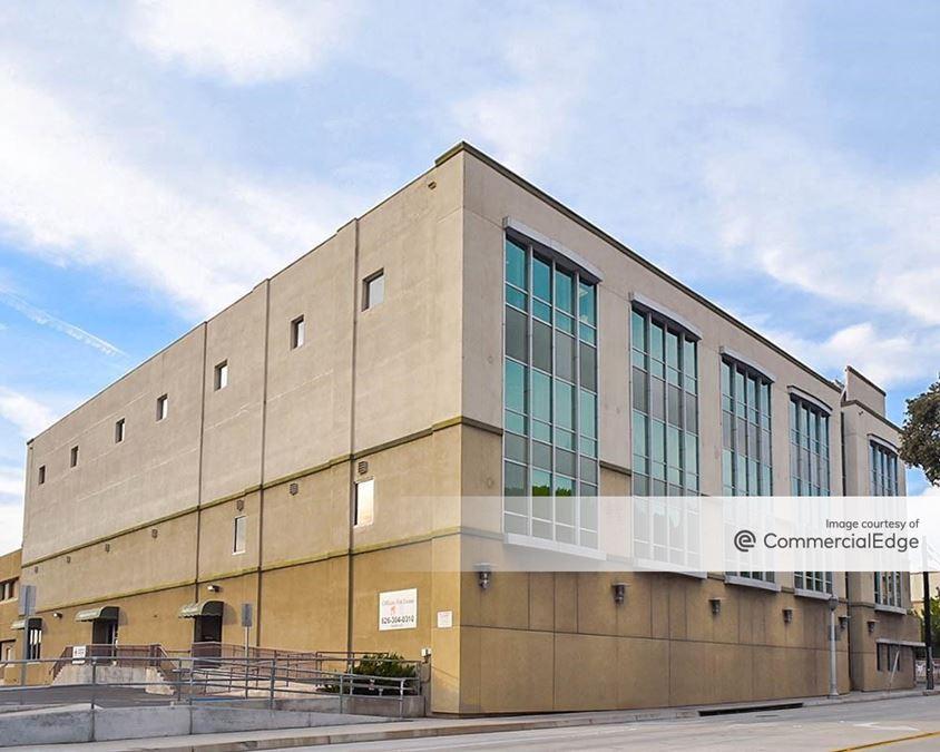 Pasadena Business Park - 133 North Altadena Drive, 2465 East Walnut Street & 130-136 Cook Avenue