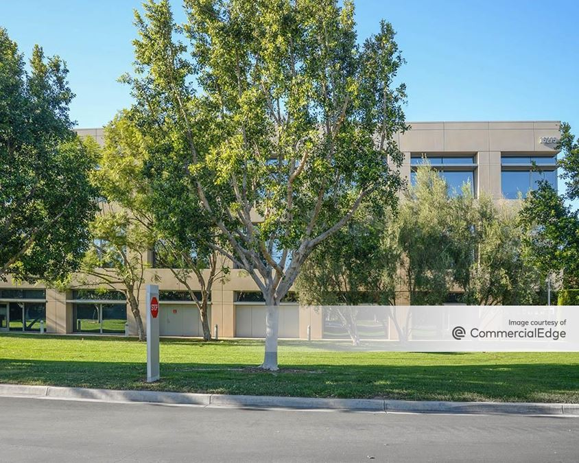 The Capital Group Campus - 15275 Sand Canyon Avenue