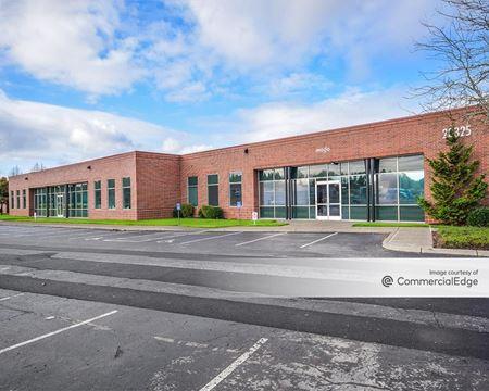 AmberGlen Business Center - Buildings 9025 & 9170 - Beaverton