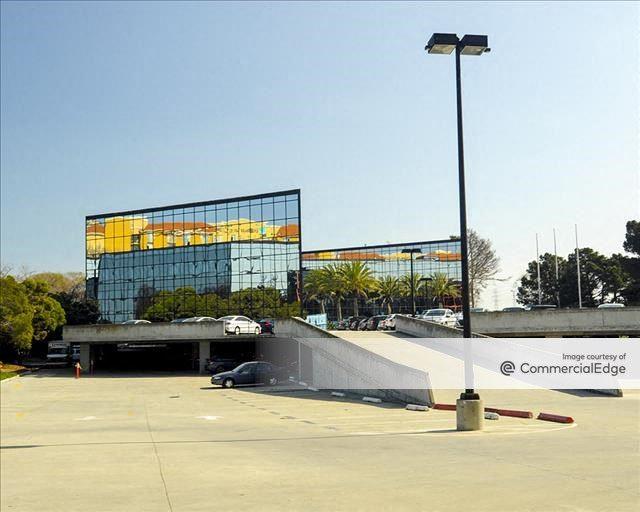 Bayside Plaza