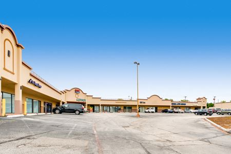 Lancers Square Retail Center - Plano