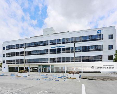 La Mirada Medical Office Building - La Mirada