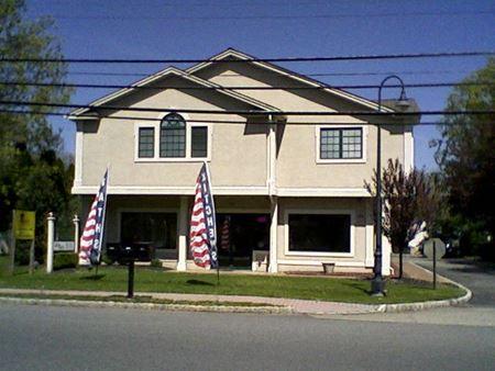 700 Main Rd - Montville