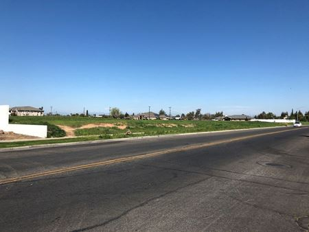 ±1.59 Acres of Prime Retail Land on Country Club Drive, Madera - Madera