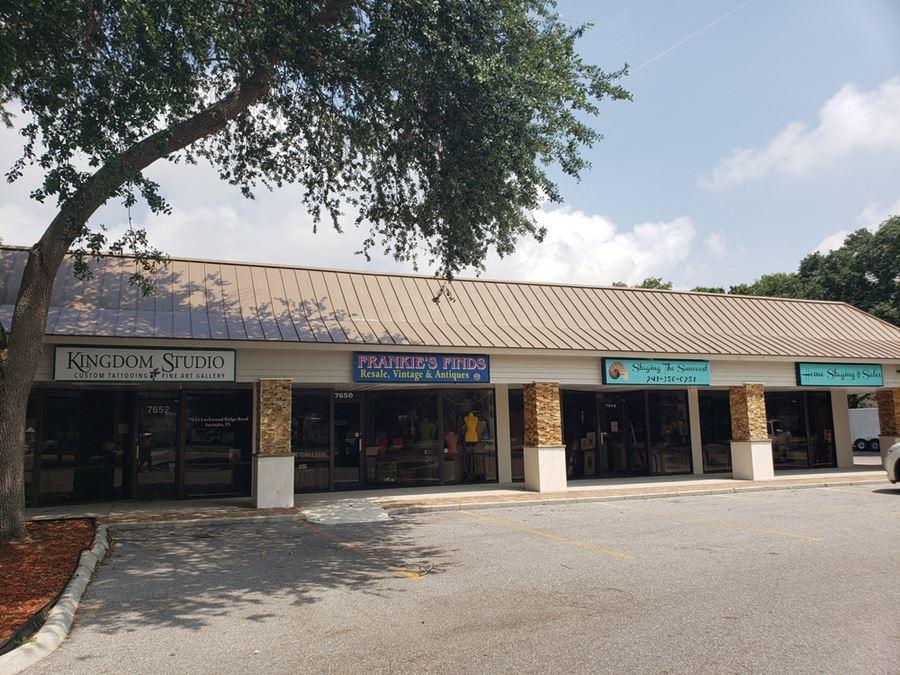 Lockwood Village Plaza