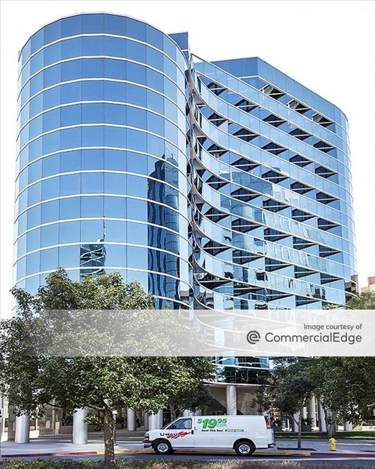 La Jolla Square - 4275 Executive Square