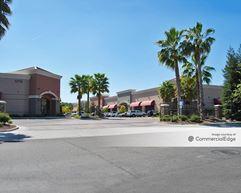 Fahren's Park Plaza - Merced