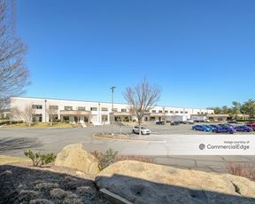 Sterling Park Business Center - 405 Glenn Drive
