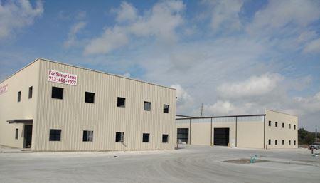 Four Seasons Business Park - 6,500 SF Office/Warehouse Buildings - Houston