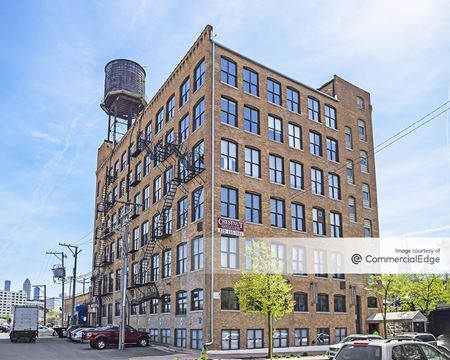 935 West Chestnut Street - Chicago