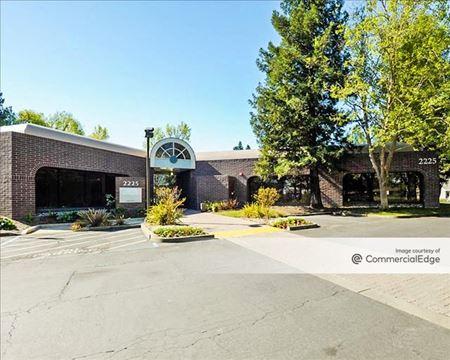The Lakes - 2225-2255 Challenger Way - Santa Rosa