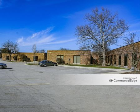 Academy Office Court - Northbrook