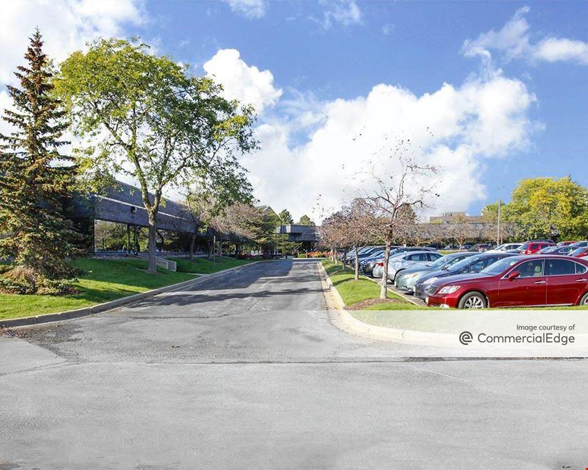 Crossroads Corporate Center - 20825 Swenson Drive