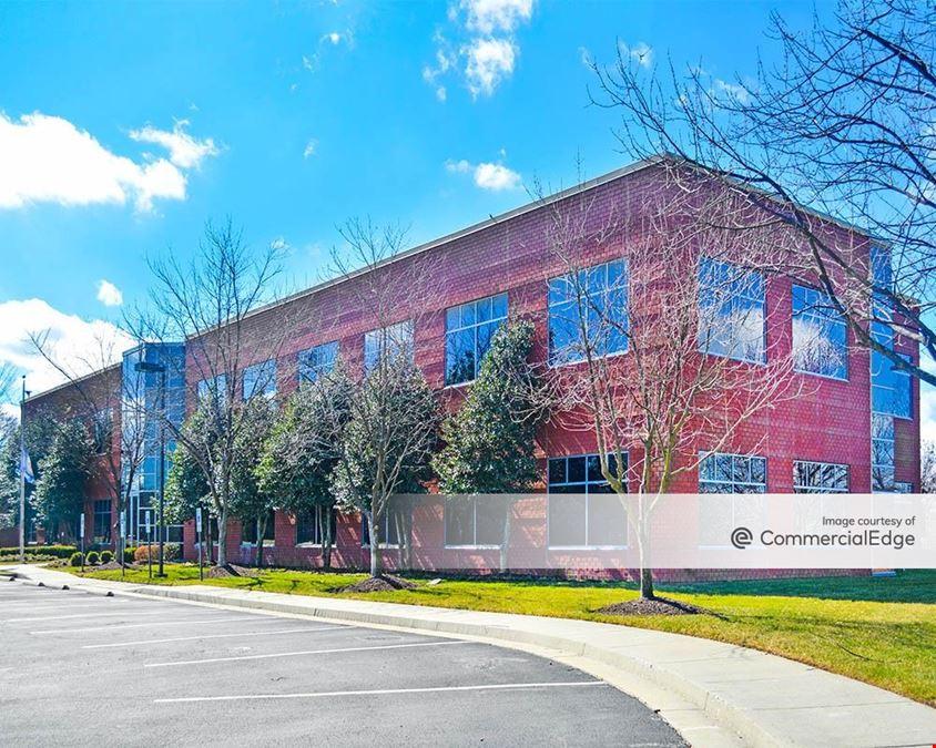 Innsbrook Corporate Center - Highwoods Commons