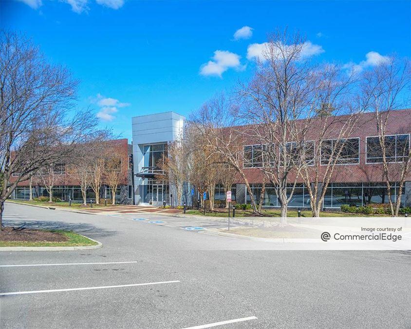 Innsbrook Corporate Center - Lakebrooke Pointe