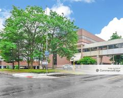 Carpenter Medical Plaza - Hamtramck