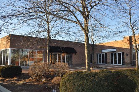 1044 N. Western Avenue - Lake Forest