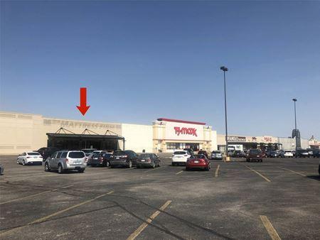 Westgate Plaza - 6836 W. Kellogg - Wichita