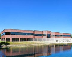 Brookfield Lakes Corporate Center - 300 North Patrick Blvd - Brookfield