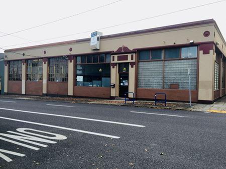 Hawthorne Block - Portland