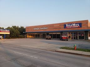 +/- 5,000 SF Commercial Retail Space For Lease in Pasadena, Texas