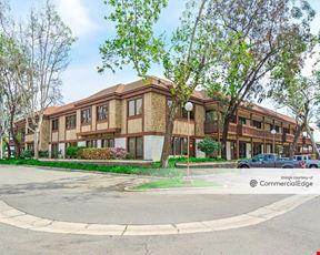 Smoketree Plaza - Santa Ana