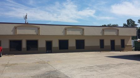 Race St. Retail/Office Space by Cinema 8 - Searcy