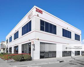 2060 Placentia Avenue - Costa Mesa
