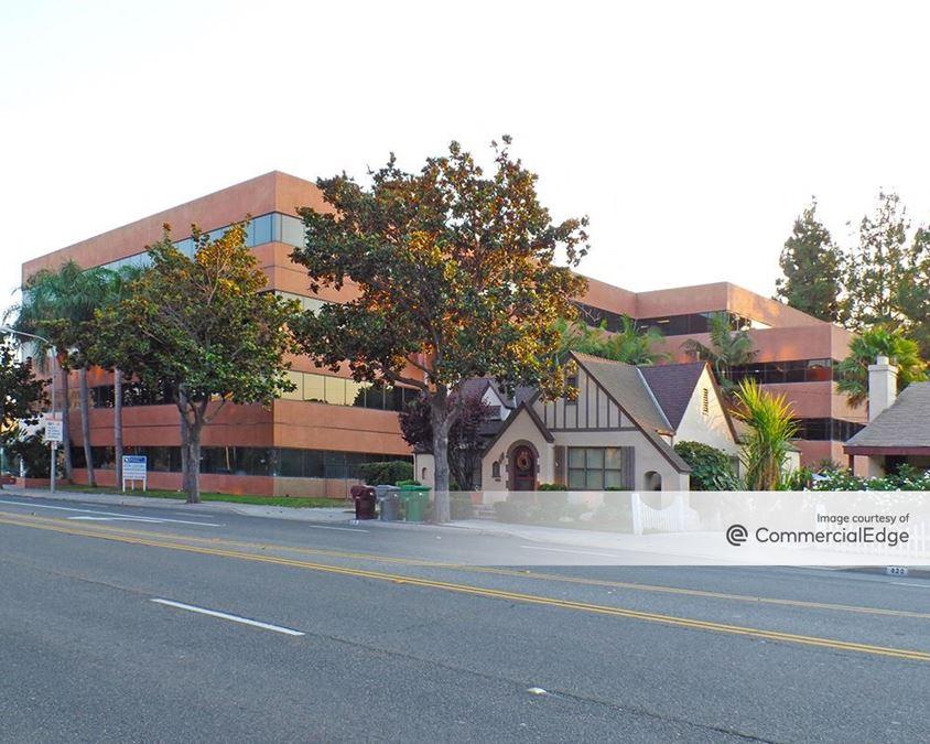 901 West Civic Center Drive
