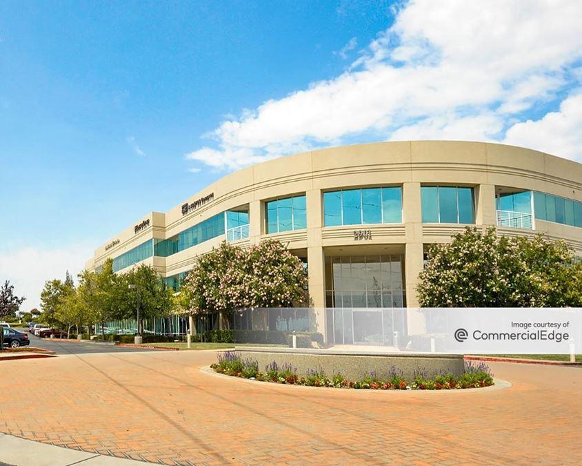 Douglas Corporate Center - 2901 Douglas Blvd