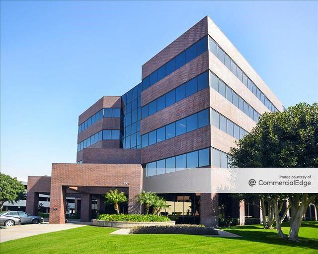 Dupont Centre - 2201 Dupont Drive