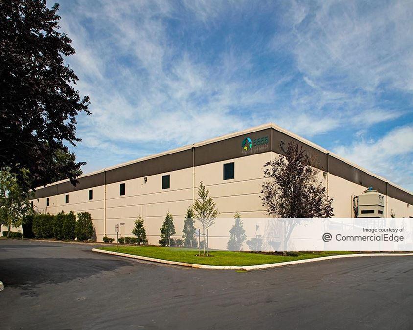 DCT Royal Distribution Center