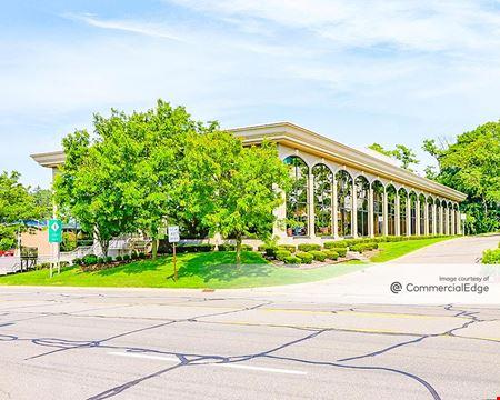 21 East Long Lake Road - Bloomfield Hills