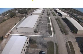 11,200 Office / Warehouse Space in Tomball